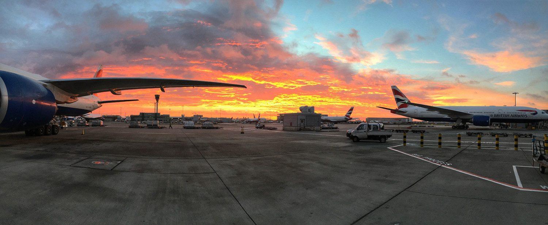 Sunrises in the east over Heathrow