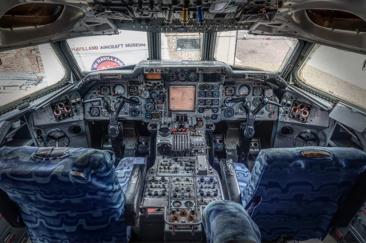 Hawker Siddeley Trident flight deck photo