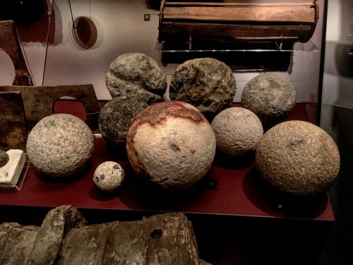 Assorted cannon balls.